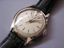 ref.565 steel with sweep centre seconds