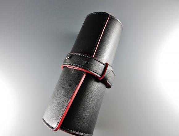 Leather wristwatch holder ¥62,600.-