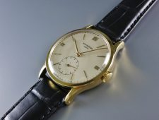 ref.570 Yellow gold with roman indexes