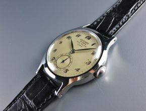 ref.565 steel with Breguet numerals retailed by JACCARD