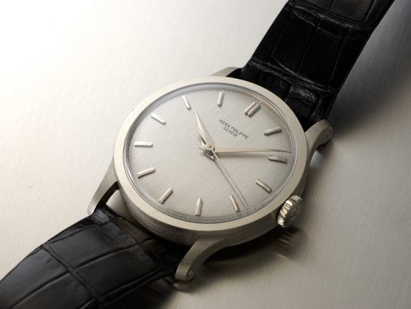 ref.570 white gold with sweep seconds