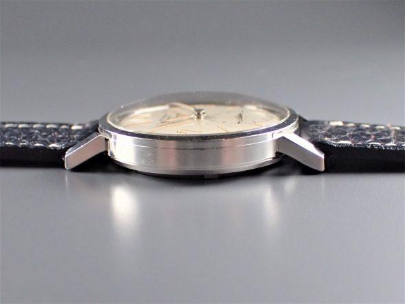 ref.3417 Steel luminous retailed by BEYER